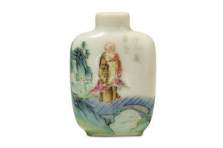 A CHINESE FAMILLE ROSE 'LOHAN' SNUFF BOTTLE.