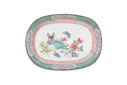 A CHINESE OVAL CANTON ENAMEL TRAY.