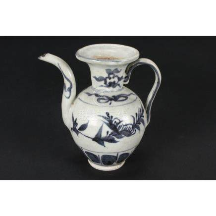 Chinese Ming Dynasty Blue and White Porcelain Ewer