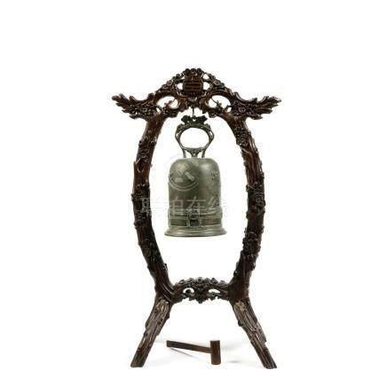 CLOCHE DE TEMPLE ZHONG en bronze, à battant externe, à décor