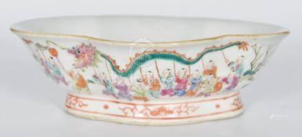 粉彩百子圖海棠碗