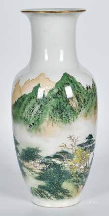 50年代 粉彩山水瓶