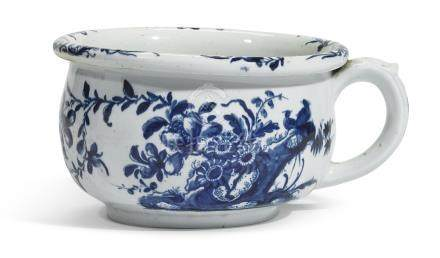 A Worcester blue and white chamber pot