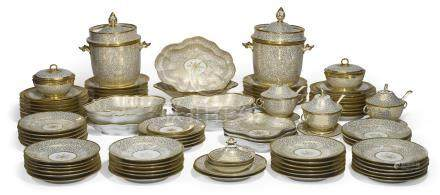 THE OMBERSLEY COURT STATE SERVICE, A Chamberlain's Worcester white and gilt composite part dessert service