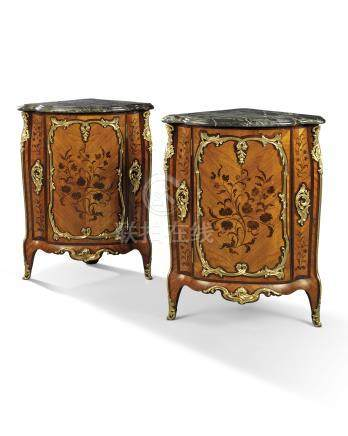 A PAIR OF LOUIS XV ORMOLU-MOUNTED TULIPWOOD, AMARANTH, BOIS DE BOUT AND BOIS SATINE MARQUETRY ENCOIGNURES