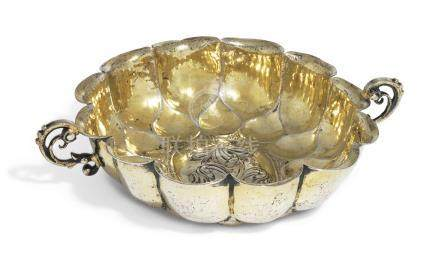 A GERMAN PARCEL-GILT SILVER SWEETMEAT DISH