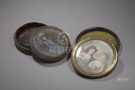 Boîte circulaire en écaille, le couvercle peint des portraits présumés de Nancy