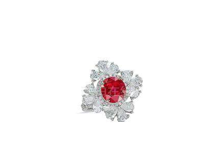 2.41卡拉「緬甸-抹谷」紅寶石配鑽石戒指鑲18K白金(未經加熱處理)