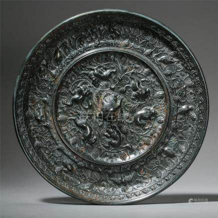 CHINESE BRONZE BEAST ROUND MIRROR TANG DYNASTY