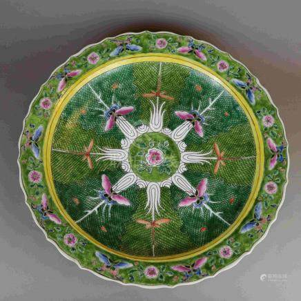 Porcelain plate - China, polychrome painting, in the well fl