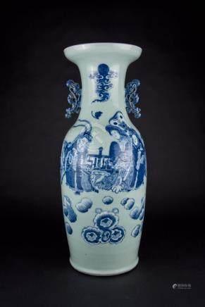 清中期 画人物豆青瓶 Qing, Pea-green Figural Vase 高(Height):60.5cm