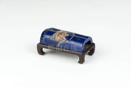 清晚期蓝底竹形黄虫振纸Late Qing, Bamboo-shaped Blue-glazed Paper Weight 长(Length):7cm 高(Height):2cm
