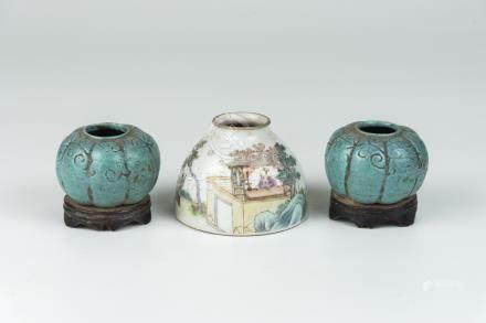 民国粉彩人物水盂 芦钧釉水盂(一对)Republic Period, A Famille-rose Water Pot and A Pair of Lujun Glazed Water Pot 高(Height):6cm