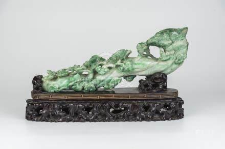 翡翠玉如意Jadeite Ruyi 长(Length):32cm 重(Weight):1914g
