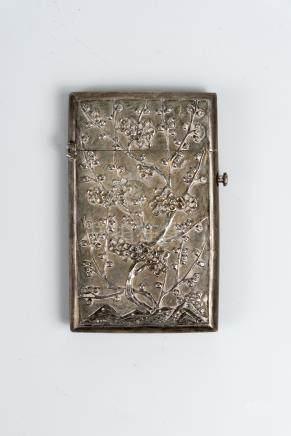 民国银雕梅花合Republic Period, Carved Plum Blossom Silver Box 长(Length):11cm 宽(Width):6cm