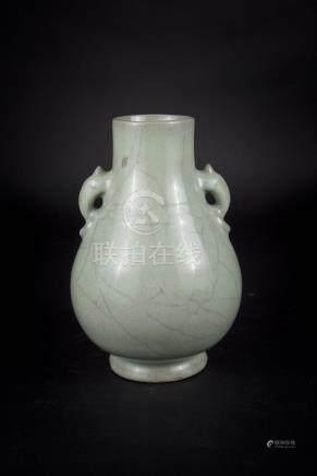 民国 仿官窑双耳尊 Republic Period, Guan-type Loop Handles Zun 高(Height):25cm