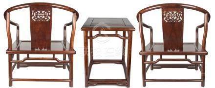 黄花梨椅子 3件 Three Huanghuali Chairs 椅子长(Length):69cm 宽(Width):52cm 高(Height):87cm 桌子长(Length):50cm 宽(Width):50cm 高(Height):75cm