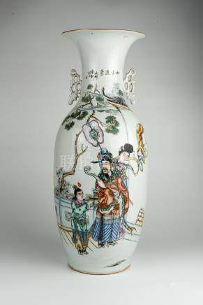 民国 水彩人物瓶Republic Period, Bottle Vase with Patel Enameled Figures 高(Height):58cm