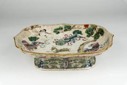 清 粉彩松鹤延年图仿哥窑方形高脚碟Qing, Famille-rose Ge-Type Stem Plate with Crane and Pine 长 (Length):29cm 高(Height):22cm宽(Width):7.5cm