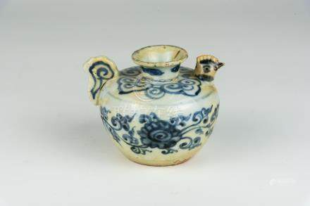 明 青花勾藤花放水注Ming, Blue and White Floral Water Dropper 高(Height):6.5cm