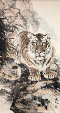 翁文光(b.1948)上山虎 立轴纸本 Weng Wenguang Tiger on the Mountain Hanging Scroll,Ink & Color on paper 高(Height): 128cm 宽(Width): 70cm