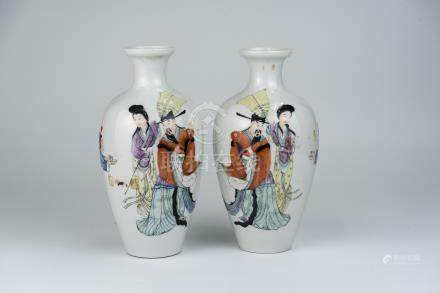民国粉彩人物小瓶一对Republic Period, A Pair of Small Famille-rose Figure Vase 高(Height):23cm