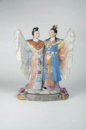 梁山伯与祝英台Porcelain Figure of the Butterfly Lovers 高(Height):33cm 宽(Width):24cm