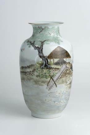 解放后粉彩人物花瓶(赵恵民)Famille-Rose Figures Vase (Zhao Huimin) 高(Height):28cm
