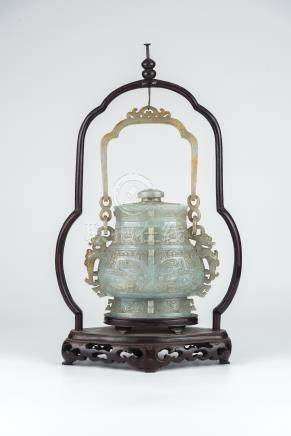 缅甸玉 仿青铜纹吊瓶一个Burmese Jade A Carved Hanging Vase 高(Height):27cm