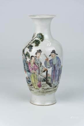 民国 粉彩唐伯虎点秋香图瓶 洪宪年制款Republic Period, Figures Vase Hongxian Mark 高(Height):22cm