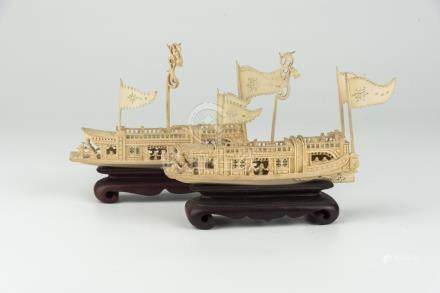 五六拾年代象牙船50-60's, Pair of Carved Ivory Boat 高(Height):10cm 重(Weight):230g