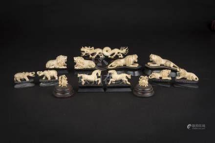 民国象牙动物群Republic Period, Group of Carved Ivory Animals 高(Height):6cm重(Weight):300g