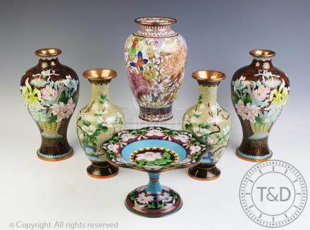 A pair of modern Japanese meiping shaped cloisonne vases, 25.