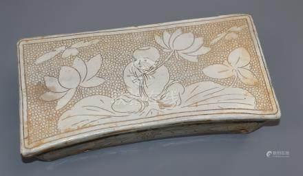 A Chinese Cizhou type pillow length 28cm