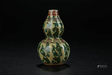 DOUBLE GOURD SHAPED PORCELAIN SNUFF BOTTLE