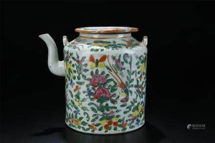 18TH C. FAMILLE ROSE FLORAL PORCELAIN TEA POT