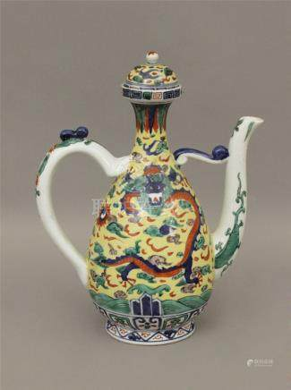 Early 20th century Chinese Qing teapot in blue and white porcelain