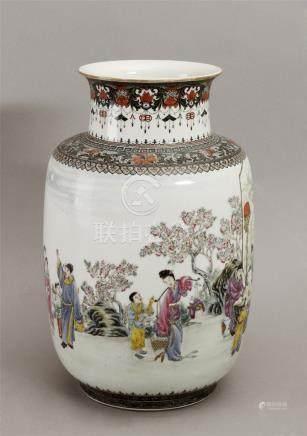 Chinese porcelain vase circa 1950