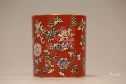 A CORAL-GROUND FAMILLE-ROSE BRUSHPOT.BITONG.QING DYNASTY
