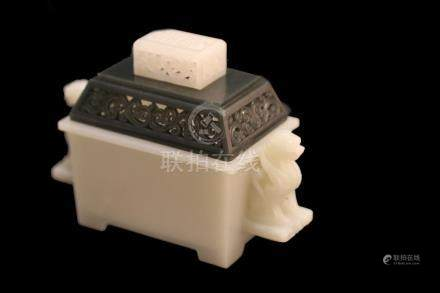 A WHITE JADE CARVING OF LIONHEAD CENSER AND COVER.ANTIQUE