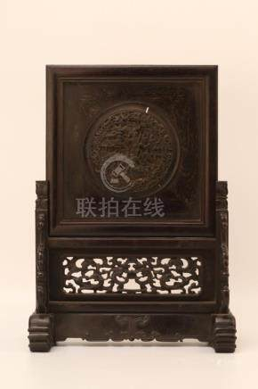 A CARVED ZITAN TABLE SCREEN.QING DYANSTY
