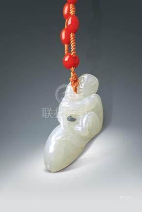 民國  白玉雕靈猴蟠桃掛件 (連珠鍊)