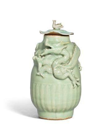 南宋/元 龍泉青釉雕龍紋蓋罐