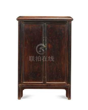 清十八世紀 黃花梨小圓角櫃