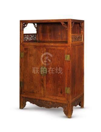 清十八世紀 黃花梨亮格櫃