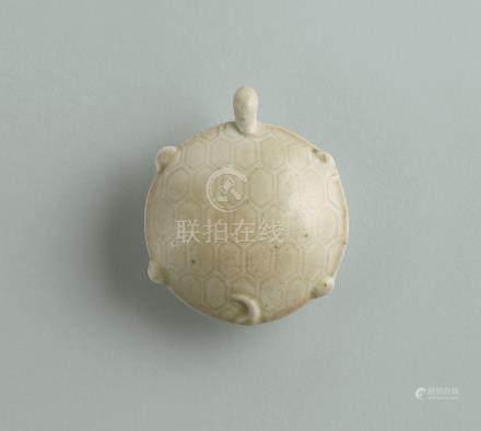北宋早期 定窯白瓷龜形茶碾