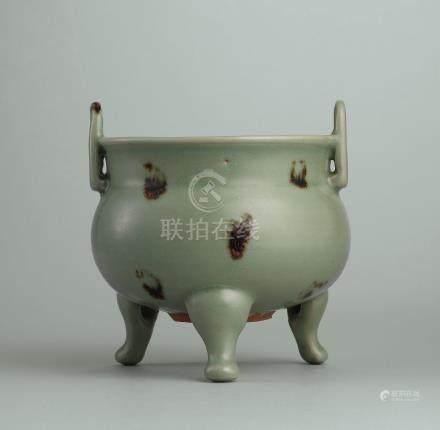 元 龍泉窯「飛青瓷」褐斑冲耳三足爐
