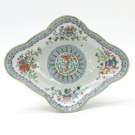 A Famille Rose Decor Altar Dish