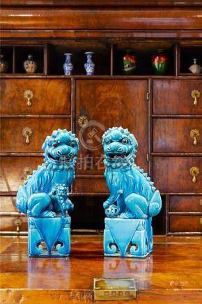 19-20世纪蓝釉狮子一对