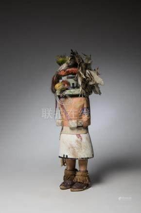 Poupée Kachina en bois polychrome et plumes, Ancienne collection BigorneHaut: 4